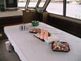 散骨大型船船内の様子